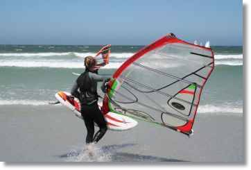 Wassersportarten Funsport Kitesurfen Windsurfer Wellensurfer in Table View